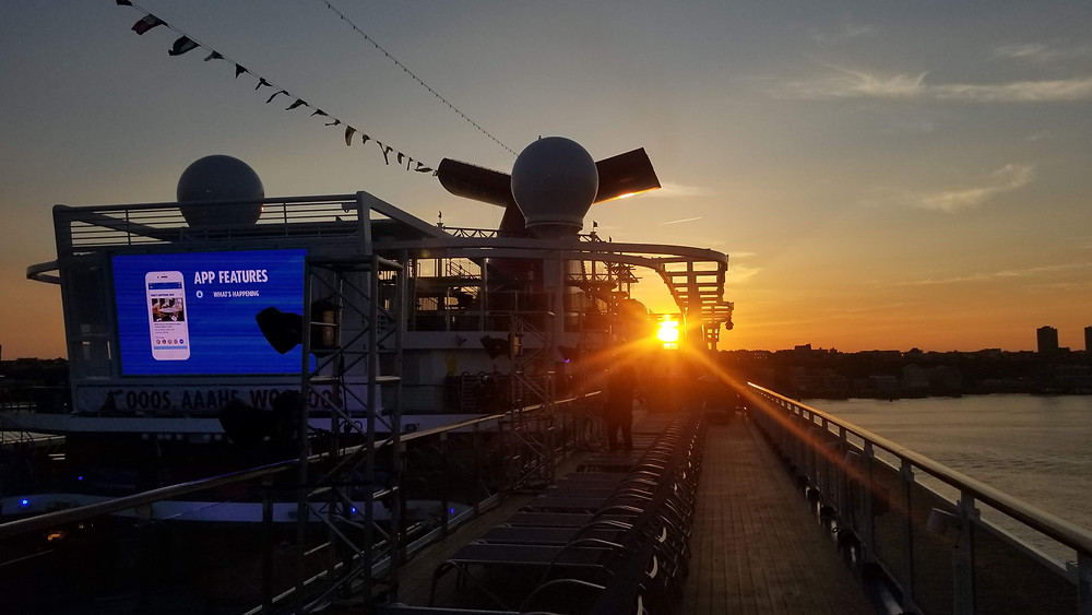 _Sports_Deck_Horizon_Cruise_Ship_Crayz