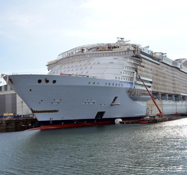 Symphony of the Seas under construti