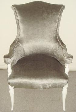 antique chair a_edited