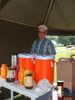 Les Snyder taking care of beverages