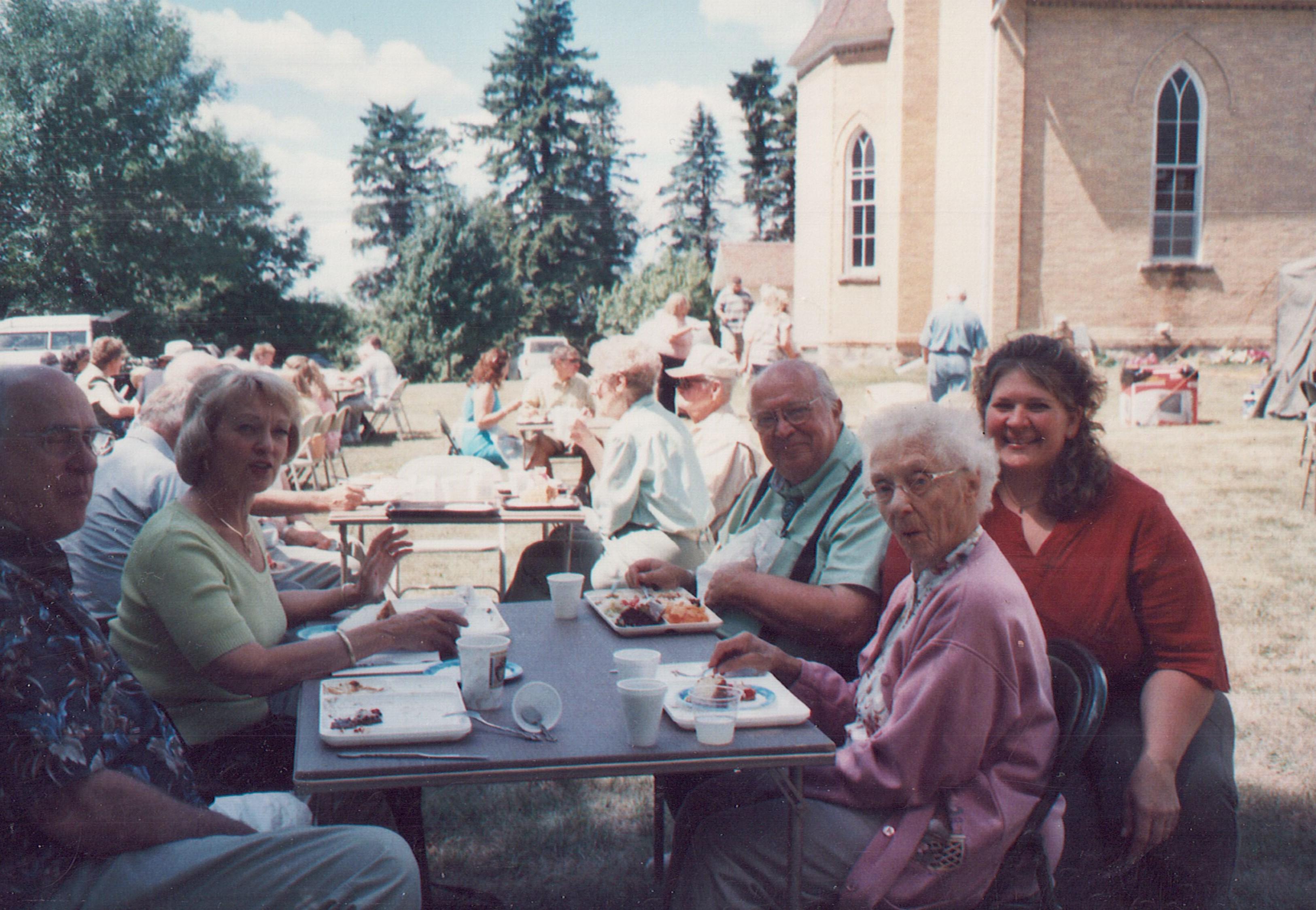 2005 Larry, Linda, Bernice, Rhonda,