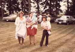 1982 sisters & family