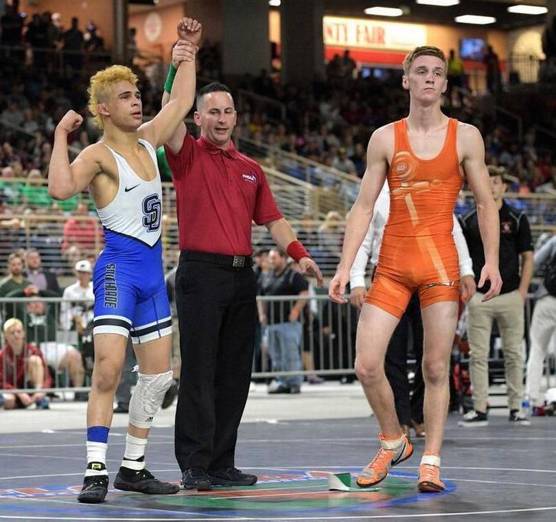 Elijah Varona wins second state championship on basically one leg.