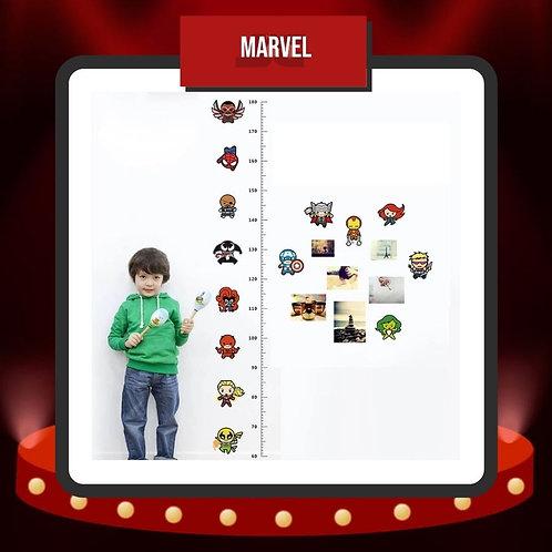 Niño con Stickers Estatura Marvel