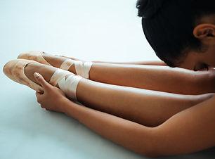 woman-stretching-1820146.jpg