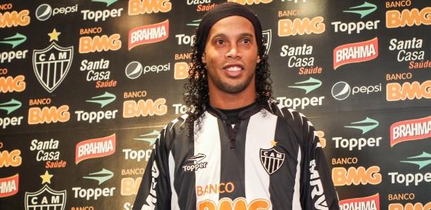 Ronaldinho revela homenagem à mãe, dona Miguelina, que se recupera de cirurgia