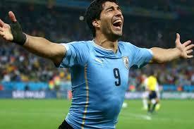 Luis Suarez Uruguai comemorando