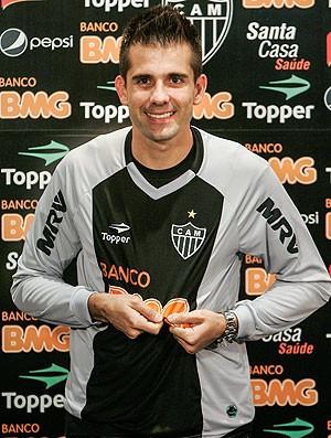 goleiro Victor é apresentado no Atlético-MG (Foto: Bruno Cantini / Site Oficial do Atlético-MG)