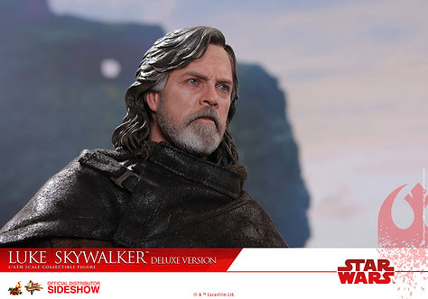 Luke Skywalker: The Last Jedi Deluxe Version