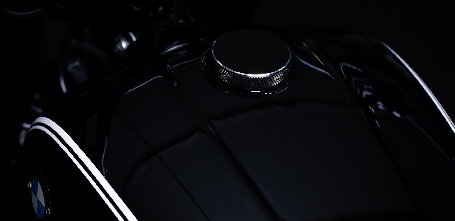 BMW R18 Bobber Edition 10.jpg