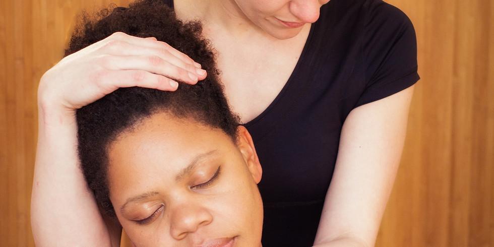 Online Massage workshops with Sophie - Massaging each other
