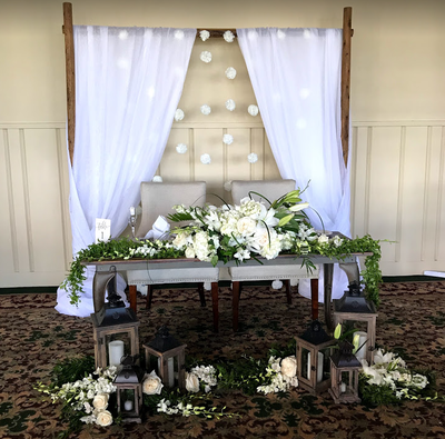 sweetheart-table-and-arch-at-mp