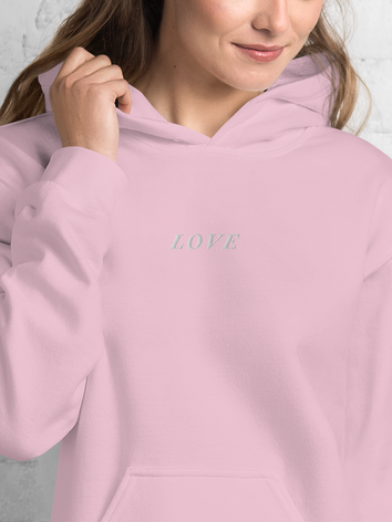 LOVE_mockup_Zoomed-in_Womens-Lifestyle-2