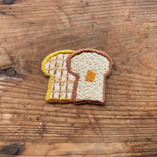 刺繍ワッペン 食パン2枚