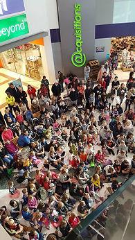 Elgregoe magic shows in shopping malls.j