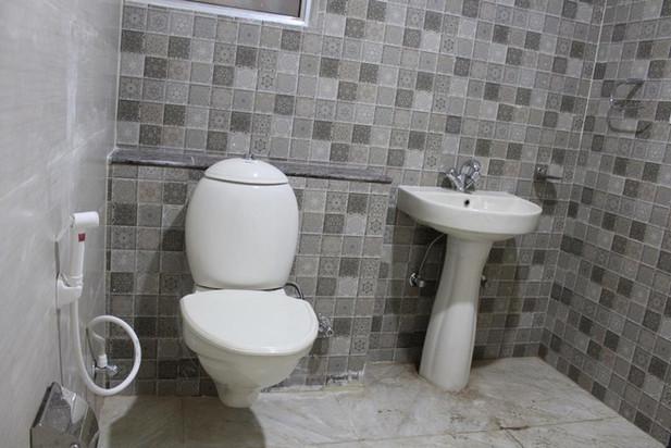 dwarkadheesh-washroom1.jpg