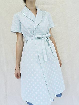 Robe de chambre à pois bleue