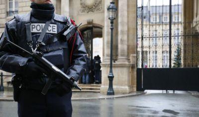 Les forces de l'ordre et l'état d'urgence continu