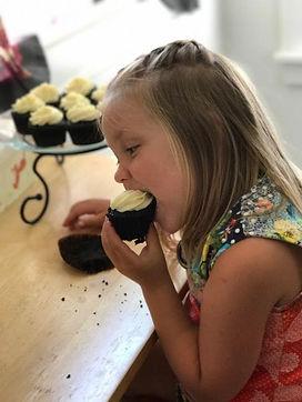 ruah cupcake.jpg