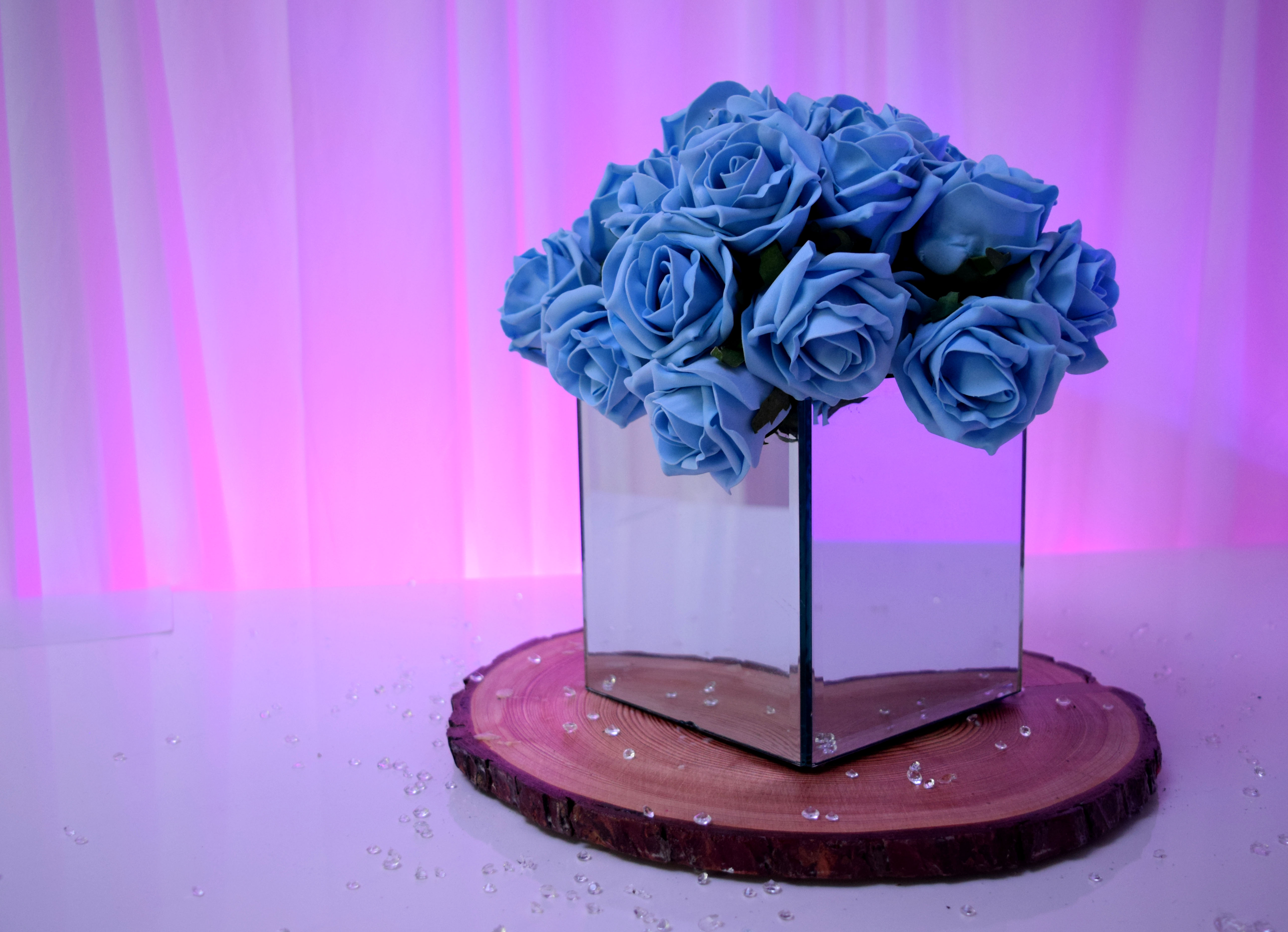Floral Mirror Cube Centrepiece Hire in Hertfordshire, Bedfordshire, Buckinghamshire, Essex & London