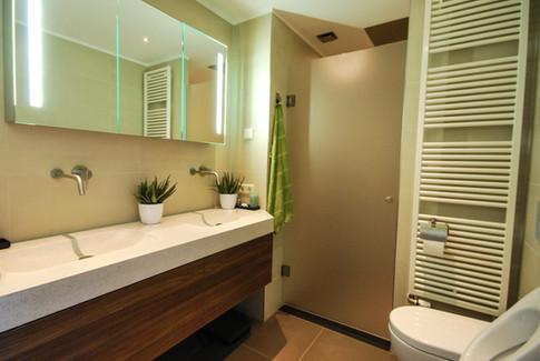 Project realisatie van een nieuwe badkamer.
