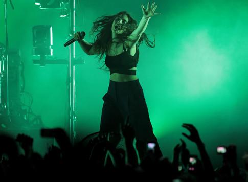 Lorde playing in Wellington