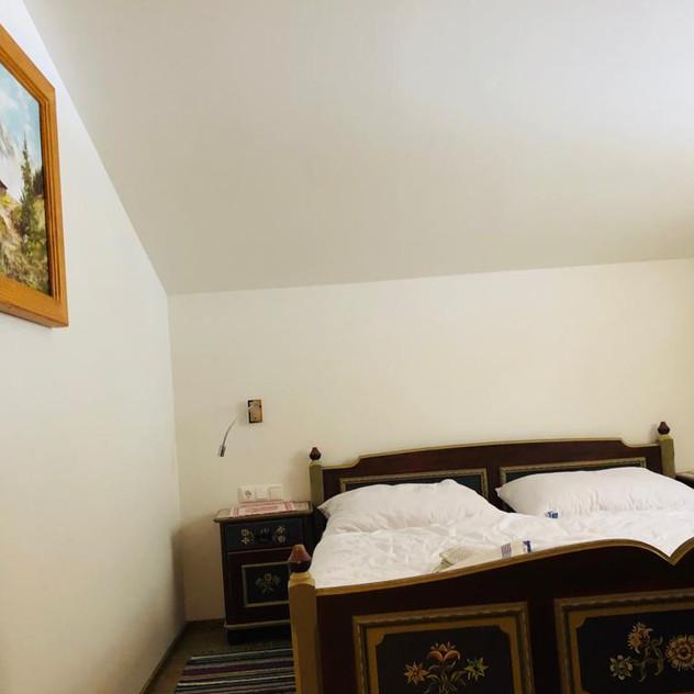 Schlafzimmer 1..jpg