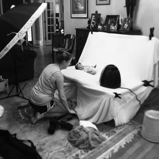 Victoria Griest Photography - Behind the scenes at an in-home newborn session.jpg