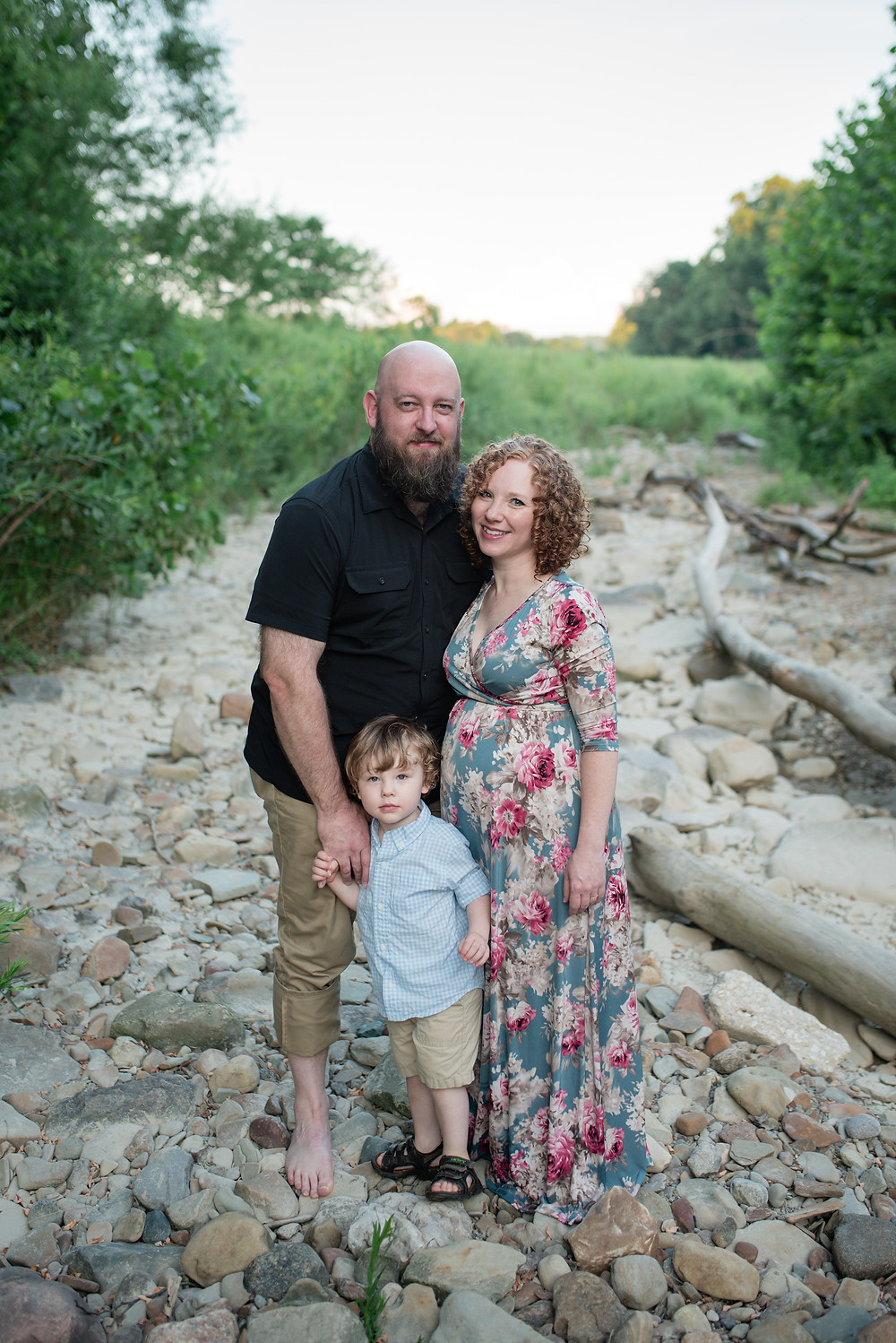 Maternity session at Everett Rd covered bridge - Victoria Griest Photography