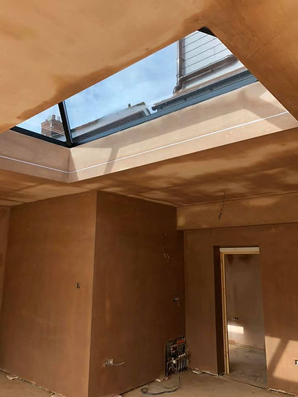 Recently plastered room with skylight.jp
