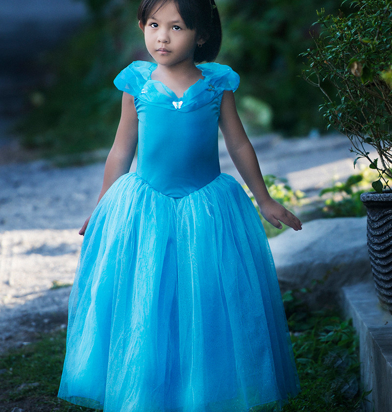 A themed children's portrait photoshoot in Bali with Rania dressing up as a princess for her photoshoot with Bali based photographer marion Ardana Portrait