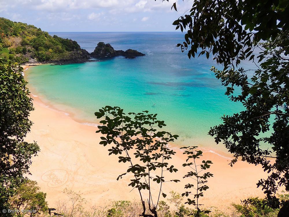 Baia do Sancho em Fernando de Noronha é considerada a melhor praia do mundo.