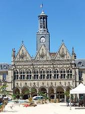 300px-02691_-_Saint-Quentin_-_Mairie.jpg