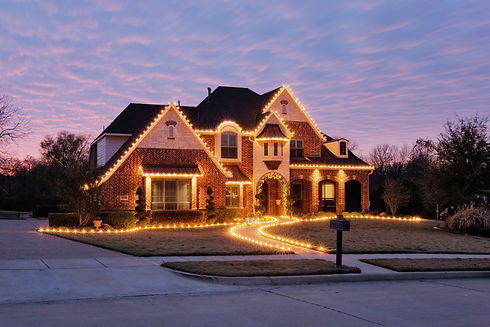 51207-home-decorated-with-christmas-ligh