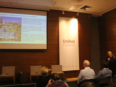Entrevista com Inês Rioto,na UNIBES evento Moradia 60+, destaca desafios da habitação na esfera públ