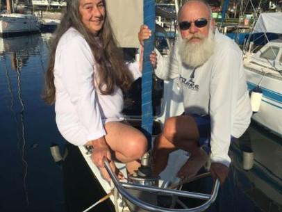 (2018) Hélio 61 anos e Mara 63 anos. Gostamos de navegar mas 90% do tempo o barco fica na marina.