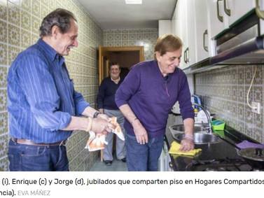 Las bajas pensiones abocan cada vez a más mayores a vivir en piso compartido.