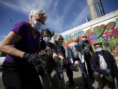 Portugal- Projeto ensina a idosos a arte do graffiti