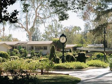 Motion Picture Country Home,uma comunidade em Los Angeles para profissionais do cinema aposentados.