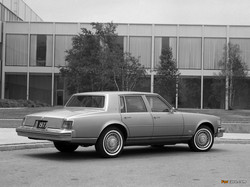 cadillac_seville_1975_pictures_1.jpg
