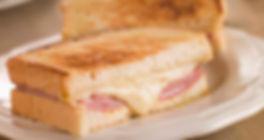 Snack Bar el escoces en Mandri 23 Barcelona. Comer y cenar bien en Mandri 23. Prueba los bocadillos fríos y calientes del escoces