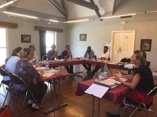 Nathalie JAY avocat à saint pierre la réunion pratique l'arbitrage commercial à la réunion et dans la zone océan indien afrique