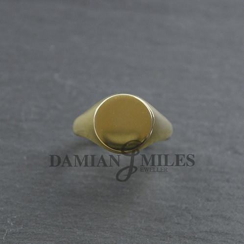 Gents 18ct gold Round signet ring.