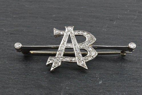AB Brooch in 18ct white Gold and Diamonds.