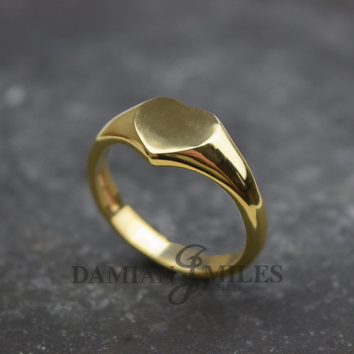 Lady's Heart shape Signet Ring in 9ct gold.