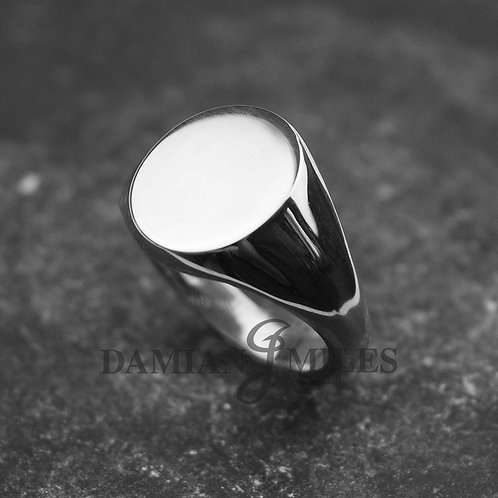 Gents, large heavy Oval Signet Ring in Sterling Silver.