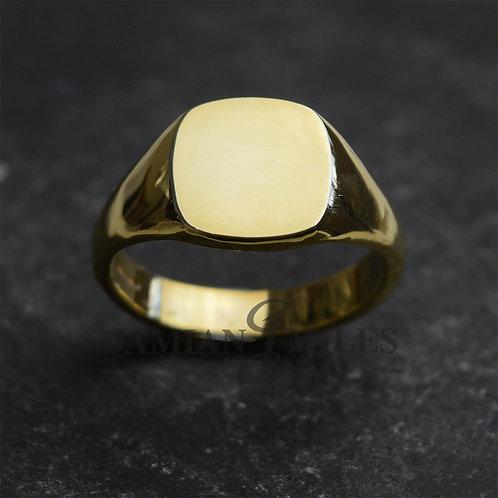 Gents 18ct gold Cushion Shape signet ring.