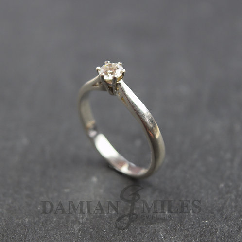 Vintage Single stone Diamond ring in Platinum (950) 0.25cts.