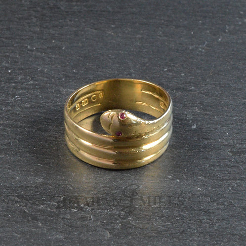 18ct gold Snake ring with Ruby eyes.