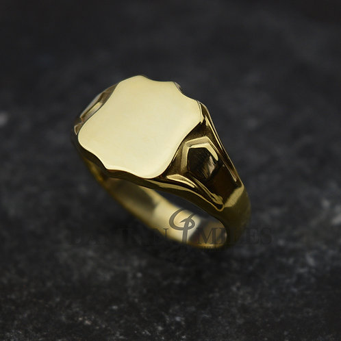 Shield Signet Ring. Gents, heavy, 9ct gold signet ring.
